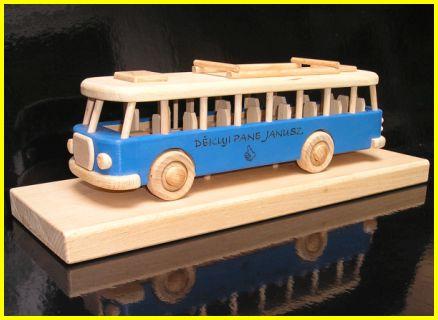 spielzeug bus holzspielzeug f r kinder lkw flugzeuge stra enbahn bus. Black Bedroom Furniture Sets. Home Design Ideas