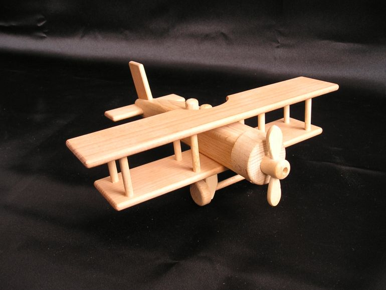 Historisches Holzflugzeug - großes Doppeldecker mit ...