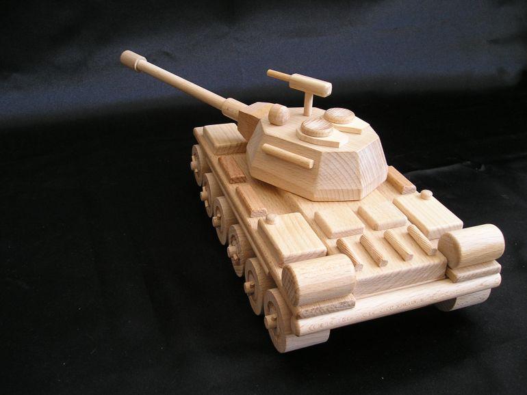 Panzer fur Kinder. Spielzeuge und Geschenke.