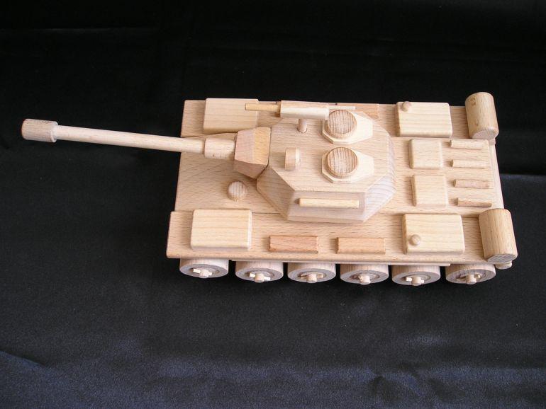Panzer spielzeug aus holz holzspielzeug f r kinder lkw for Geschenke aus holz selber machen