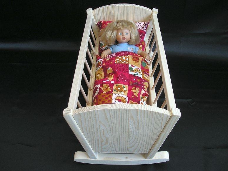 holzpuppenwiege spielzeug f r m dchen holzspielzeug f r. Black Bedroom Furniture Sets. Home Design Ideas