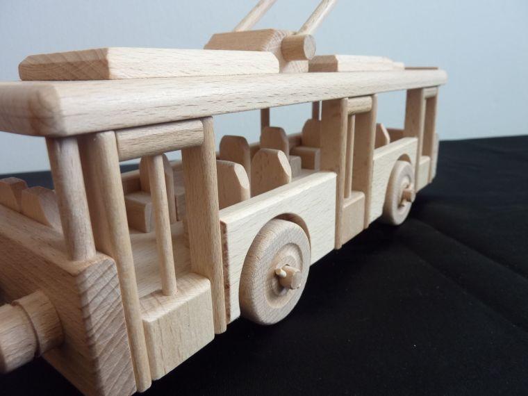 o bus aus holz holzspielzeuge und modell nur f r kinder. Black Bedroom Furniture Sets. Home Design Ideas