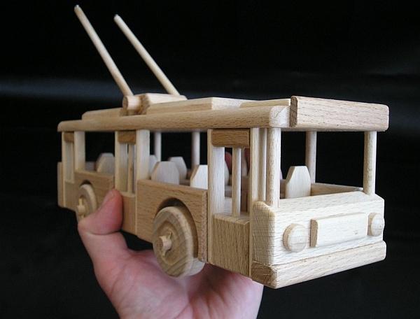 o bus spielzeug aus holz holzspielzeug f r kinder lkw. Black Bedroom Furniture Sets. Home Design Ideas