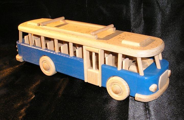 bus spielzeug aus holz blau holzspielzeug f r kinder lkw flugzeuge stra enbahn bus. Black Bedroom Furniture Sets. Home Design Ideas