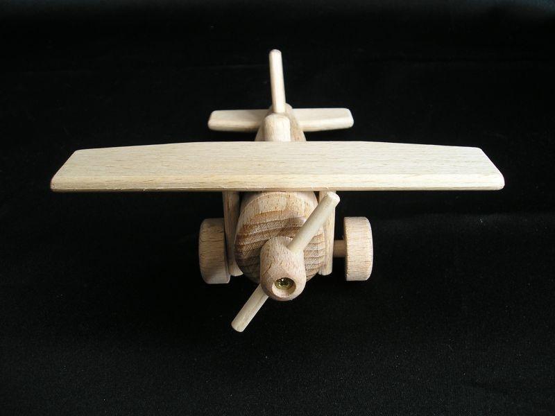 Kleine flugzeug ben spielzeug aus holz holzspielzeug für