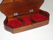 Schmuckkasten aus Holz Wahren
