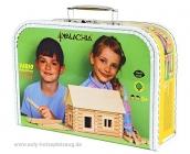 Modellhaus aus Holz im Koffer