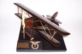 Doppeldecker-flugzeuge-modelle-AERO-A-16