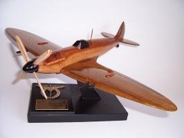 SUPERMARINE SPITFIRE Mk IX ESA Flugzeug Modell
