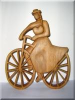 Radfahrer II. -. Holzskulptur 35 cm