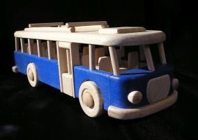 Bus Spielzeug aus Holz, blau