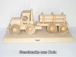 LKW Holzspielzeug an der Basis
