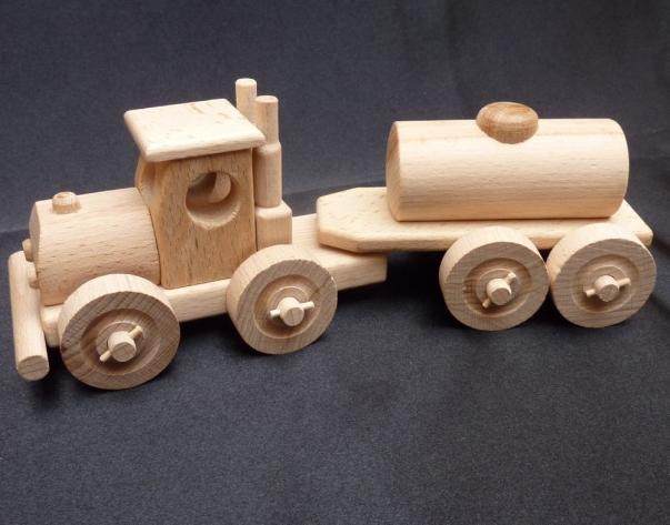 LKW Tankwagen Spielzeug aus Holz