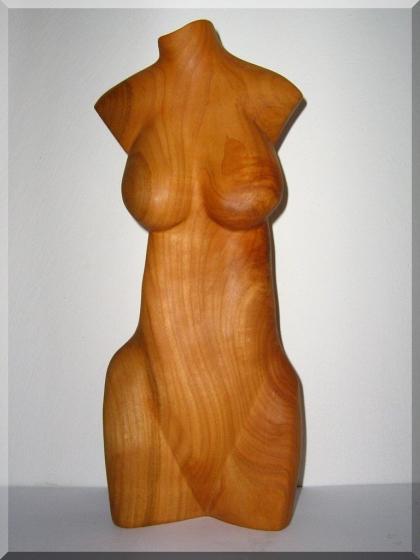 Frauenakte aus Kirschbaum - Handgefertigt