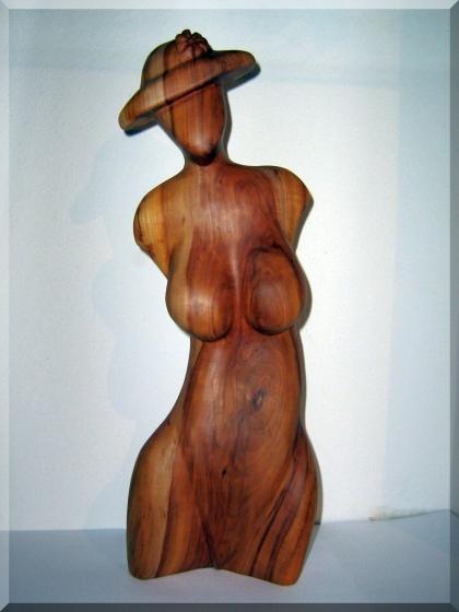 Torso der Frau aus Holz, Akt