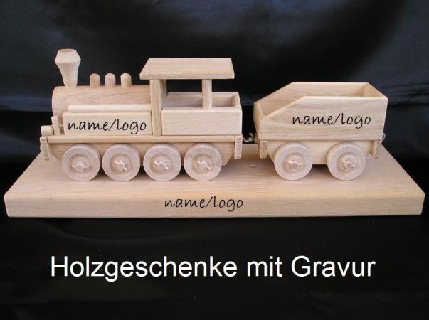 Lokomotive Spielzeug auf einem Podest