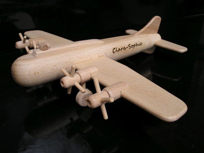 Flugzeug Spielzeug Boeing mit Gravur