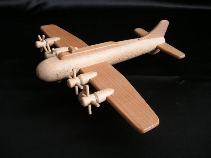 Modell_Bombenflugzeug_B17_Spielzeug_für_Jungen
