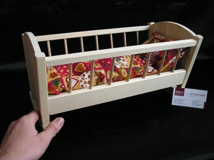 Holzwiege_Geschenke_für_Mädchen_zum_Spielen