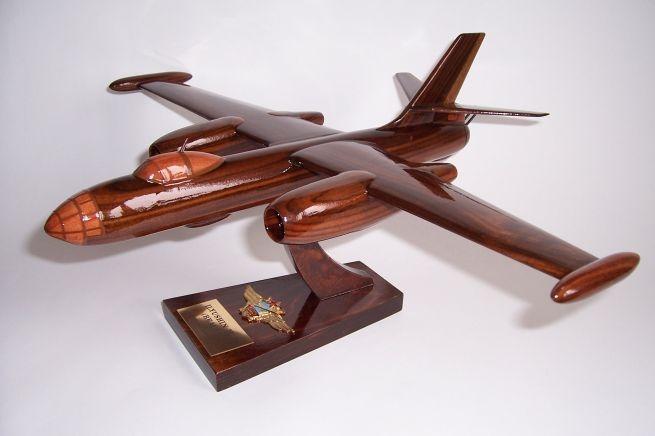 Russische_Flugzeuge_Modelle_ILYUSHIN-II-BEAGLE