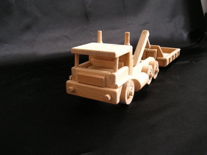 LKW-Kipper_mit_Container_zum_Spielen_mit_Sand