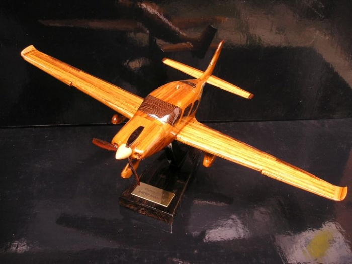 CIRRUS SR-22 Flugzeug Geschenke