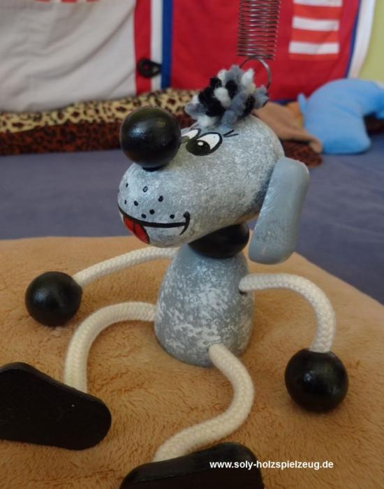 hund-holz-spielzeug-fender
