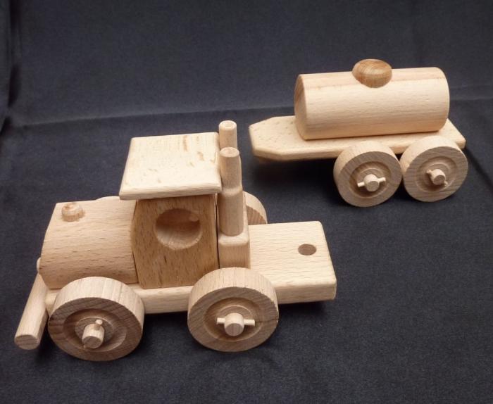 Tankwagen spielzeug aus holz