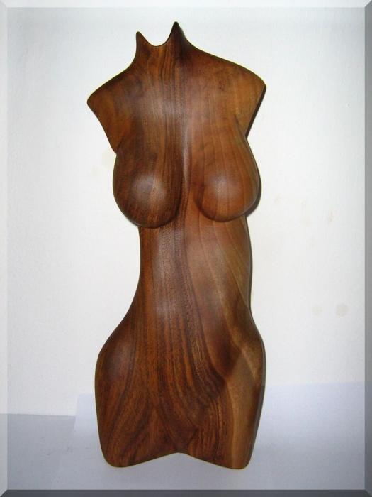 weibliche-akte-statuen