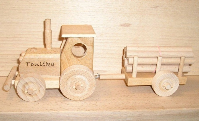 Traktor mit Gravur - OKO Spielzeug aus Holz