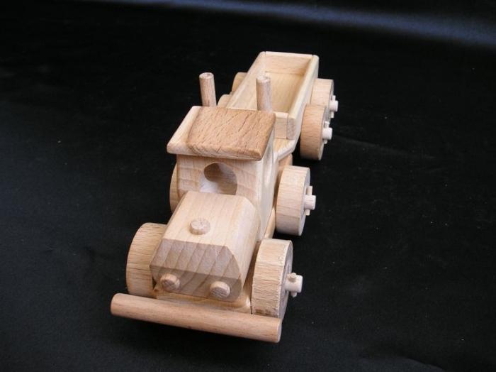 Truck_Camion_Autobahn_Verkehr_Kinderspielzeug