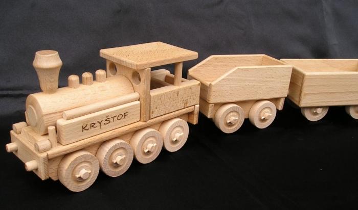 Zuge aus Holz