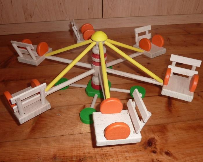 Holzspielzeug Karussell