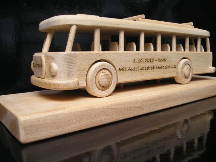 Autobus mit Gravur - Geschenk Spielzeug