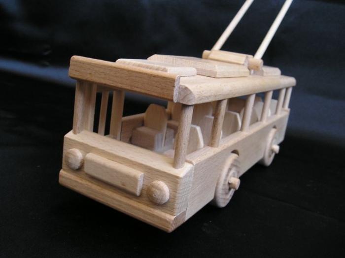 Modell_O-Bus_als_Kinderspielzeug