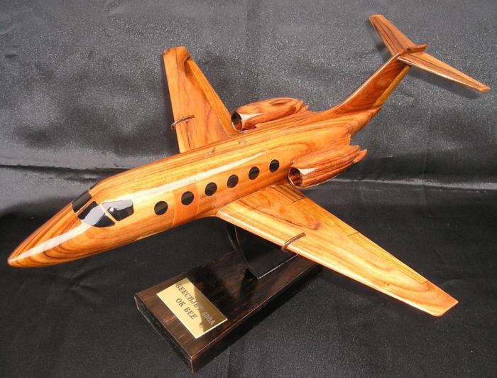 BeechJet 400 Flugzeug aus Holz