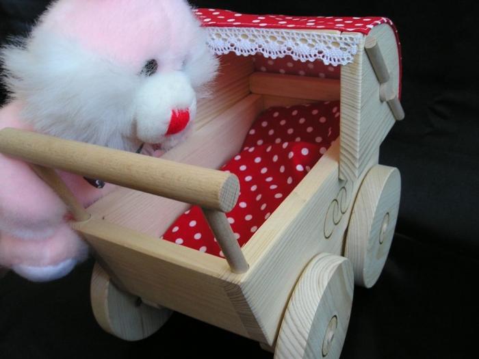 Kinderwagen_für_Mädchen_zum_Spielen