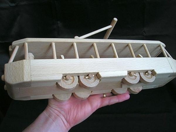 Straßenbahn Spielzeug aus Holz