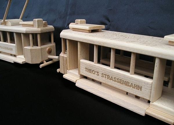Die historische Holzstraßenbahn Spielzeug