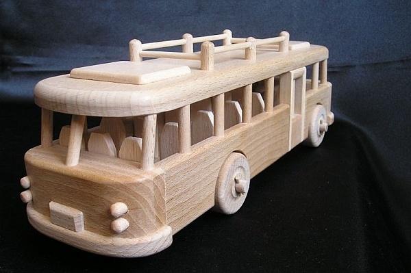 Spielzeug Bus RTO
