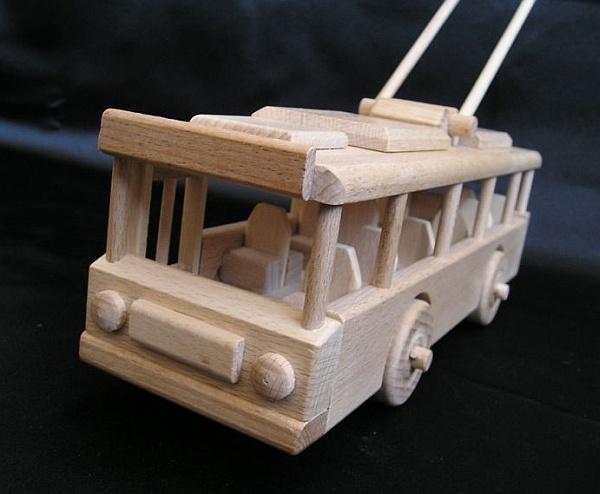 Obus Spielzeug aus Holz fur Kindern