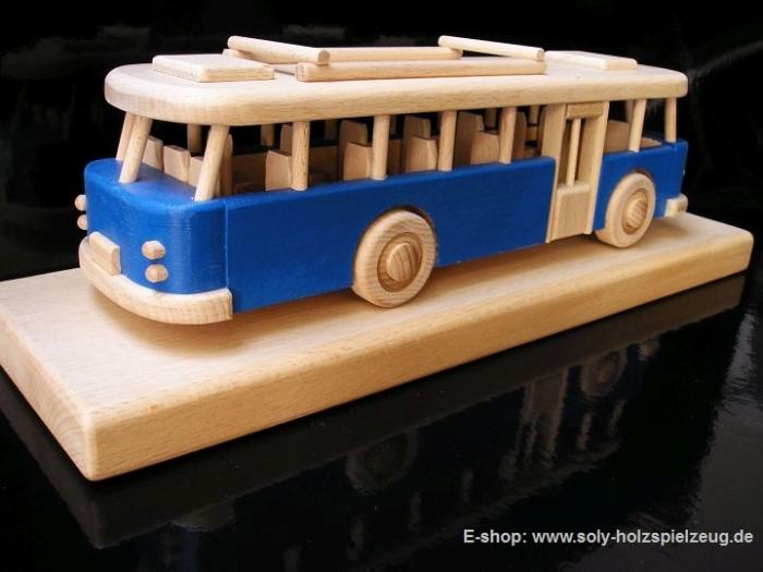 Spielzeugbus blau holz Geschenke