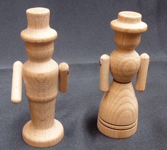 Mama und Papa, Holzfiguren