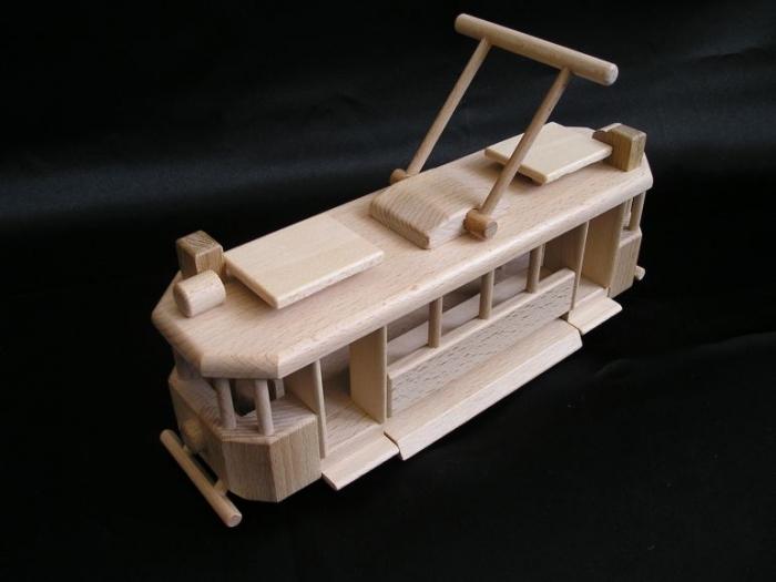 Modell_der_Straßenbahn_für_Stadtverkehr_Weihnachtsgeschenke_für_Kinder