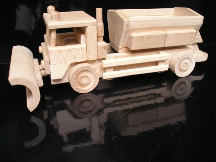 Schneepflug Holzspielzeug   Geschenke