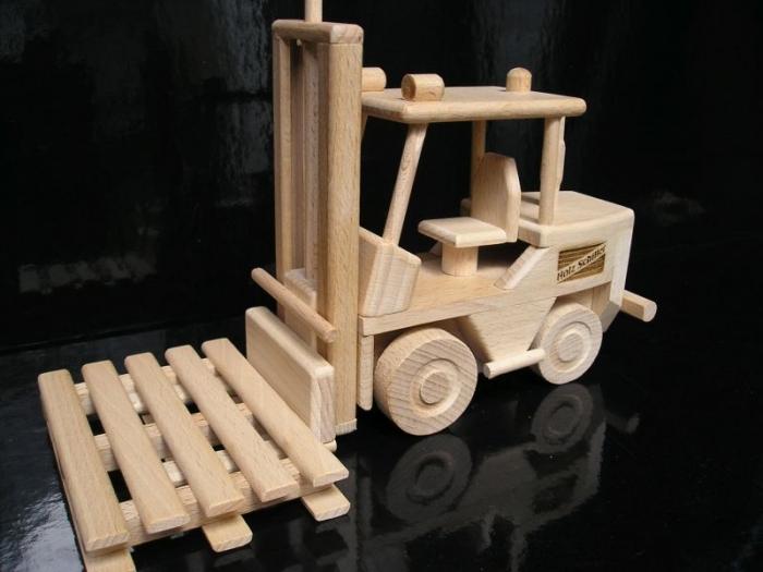 Spielzeug Hubstapler