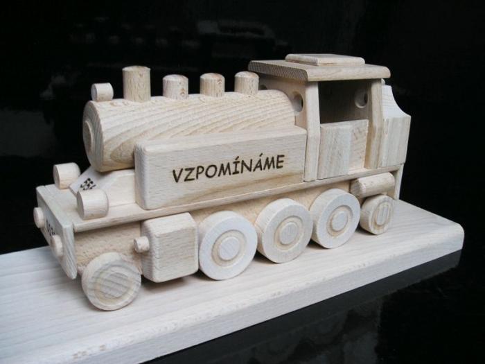 Holz Geschenke mit Gravur Lokomitive