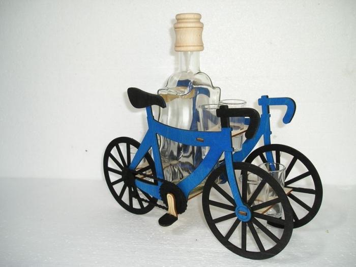 Geschenke für Radfahrer. Geburtstag Flaschen.