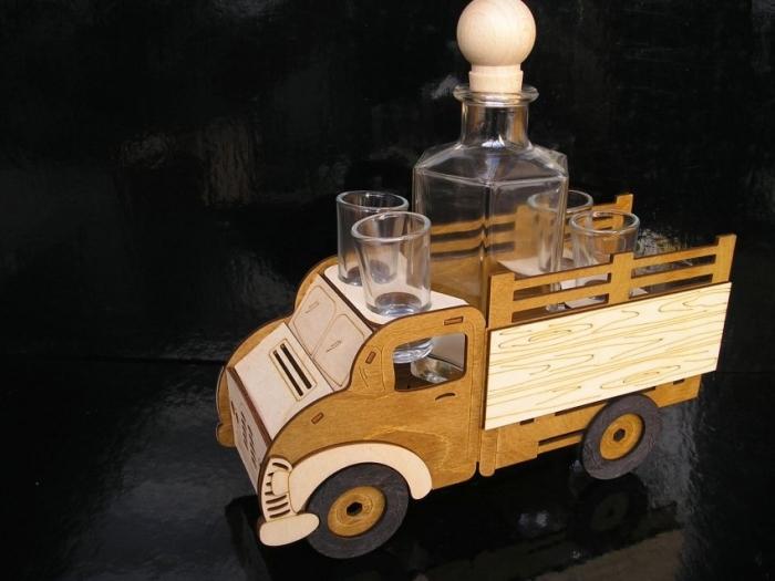 Geschenke für LKW-Fahrer. Geburtstagsflasche 40, 50 Jahr