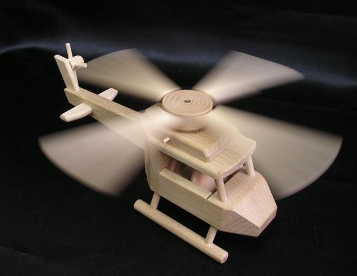 Holz-helicopter-fur-Kinder-zu-spielen-aus-hamburg-und-berlin-eshop